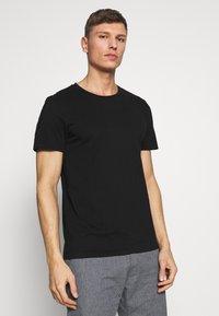 TOM TAILOR DENIM - 3 PACK - T-shirt basic - light stone/grey melange - 5