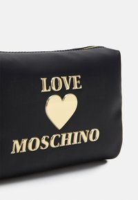 Love Moschino - BUSTINA ROSSO - Trousse - black - 3