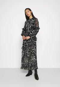 Topshop - ZEBRA PLEATED - Maxi dress - mono - 0