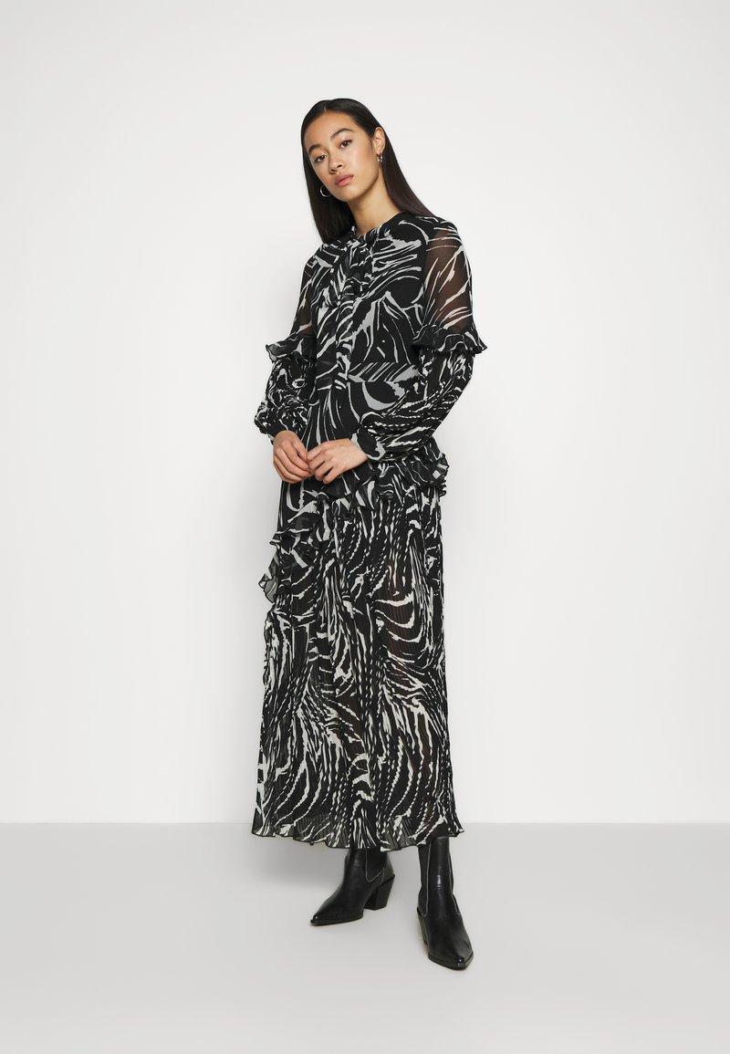 Topshop - ZEBRA PLEATED - Maxi dress - mono