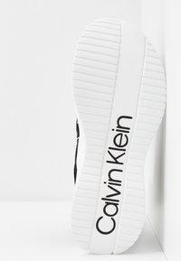 Calvin Klein - UMNEY - High-top trainers - black/white - 6