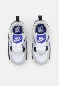 Nike Sportswear - MAX 90 CRIB - First shoes - grey fog/lapis/black/white - 3