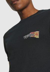 Volcom - WORLDS COLLIDE BSC SS - Print T-shirt - black - 4