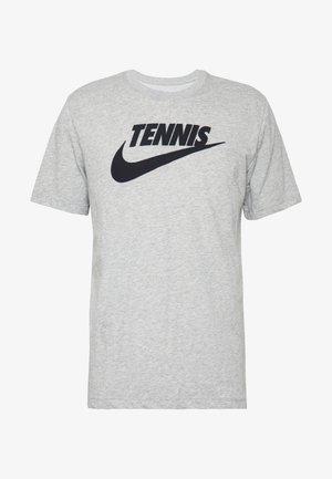 TEE TENNIS - T-shirt z nadrukiem - dark grey heather/black