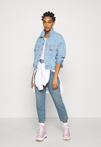 Monki - TAIKI - Straight leg jeans - blue dusty light - 1