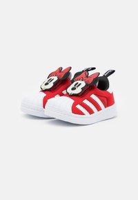 adidas Originals - SUPERSTAR 360 UNISEX - Sneakers laag - vivid red/footwear white/core black - 1