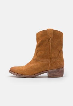 Cowboy/biker ankle boot - miele