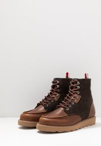 HKT by Hackett - WORK BOOT - Lace-up ankle boots - brown - 2