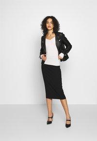 Even&Odd - BARDOT NECKLINE - Sweter - white - 1