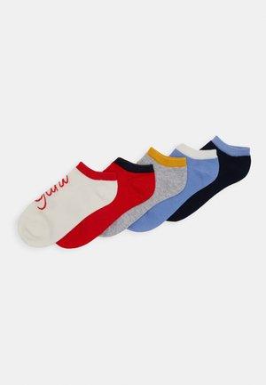 SCRIPT SNEAKER SOCKS 5 PACK - Ponožky - white