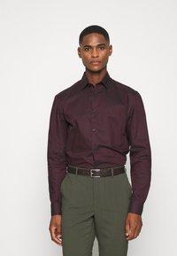 Selected Homme - SLHSLIMNEW MARK - Zakelijk overhemd - winetasting/black - 0