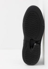 Lacoste - V-ULTRA - Sneakers - black - 4
