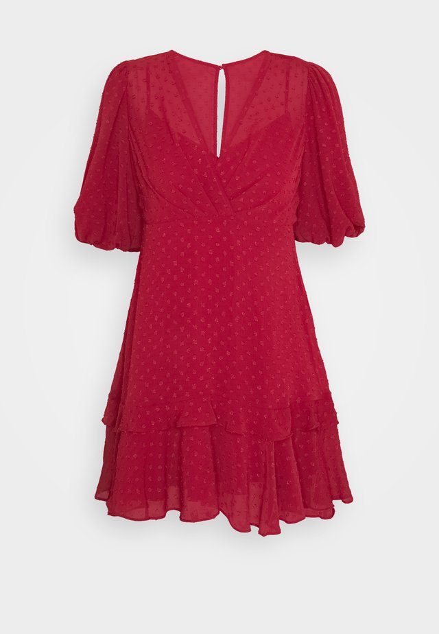 MONIQUE BLOUSON SLEEVE MINI DRESS - Vapaa-ajan mekko - red
