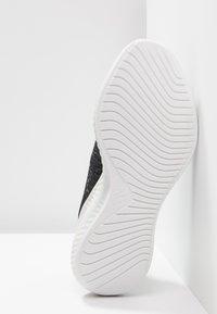 adidas Performance - ALPHABOUNCE+ PARLEY - Neutrální běžecké boty - core black/footwear white - 4