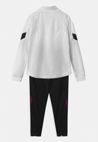 Nike Performance - PARIS ST GERMAIN SET UNISEX - Club wear - white/black/truly gold - 1