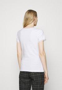 Anna Field - Jednoduché triko - white - 2