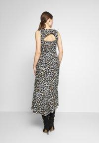 STUDIO ID - JULE DRESS - Denní šaty - beige - 2