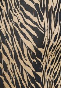 Moss Copenhagen - SANDRA ELLANORA SKIRT - Pencil skirt - black zebra - 4