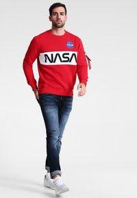 Alpha Industries - NASA INLAY  - Sweatshirt - speed red - 1