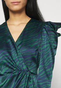 Who What Wear - WRAP OVER PARTY DRESS - Cocktail dress / Party dress - green - 5