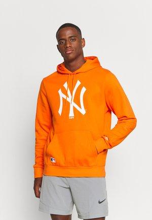MLB NEW YORK YANKEES SEASONAL TEAM LOGO HOODY - Equipación de clubes - orange