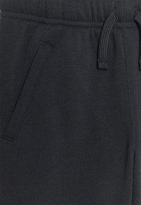 Nike Sportswear - CLUB - Pantalones deportivos - black - 2