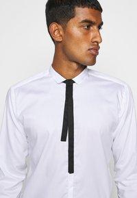 KARL LAGERFELD - CASUAL - Koszula - white - 5
