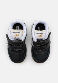 New Balance - IZ997HHC UNISEX - Sneakers - black - 3