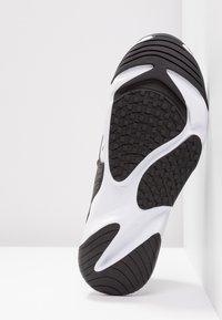 Nike Sportswear - ZOOM 2K - Zapatillas - white/black - 4
