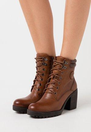 LADIES BOOTS  - Platform ankle boots - camel