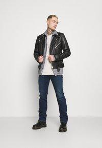 Diesel - D-MIHTRY - Straight leg jeans - dark blue - 1