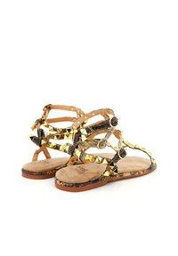 Alma en Pena - Ankle cuff sandals - sand - 1