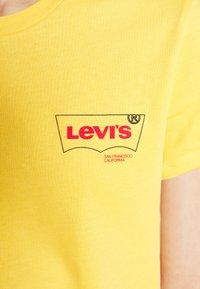 Levi's® - PERFECT TEE - Printtipaita - kumquat - 4