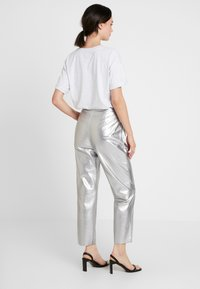 Nly by Nelly - FREE PANTS - Trousers - silver - 2