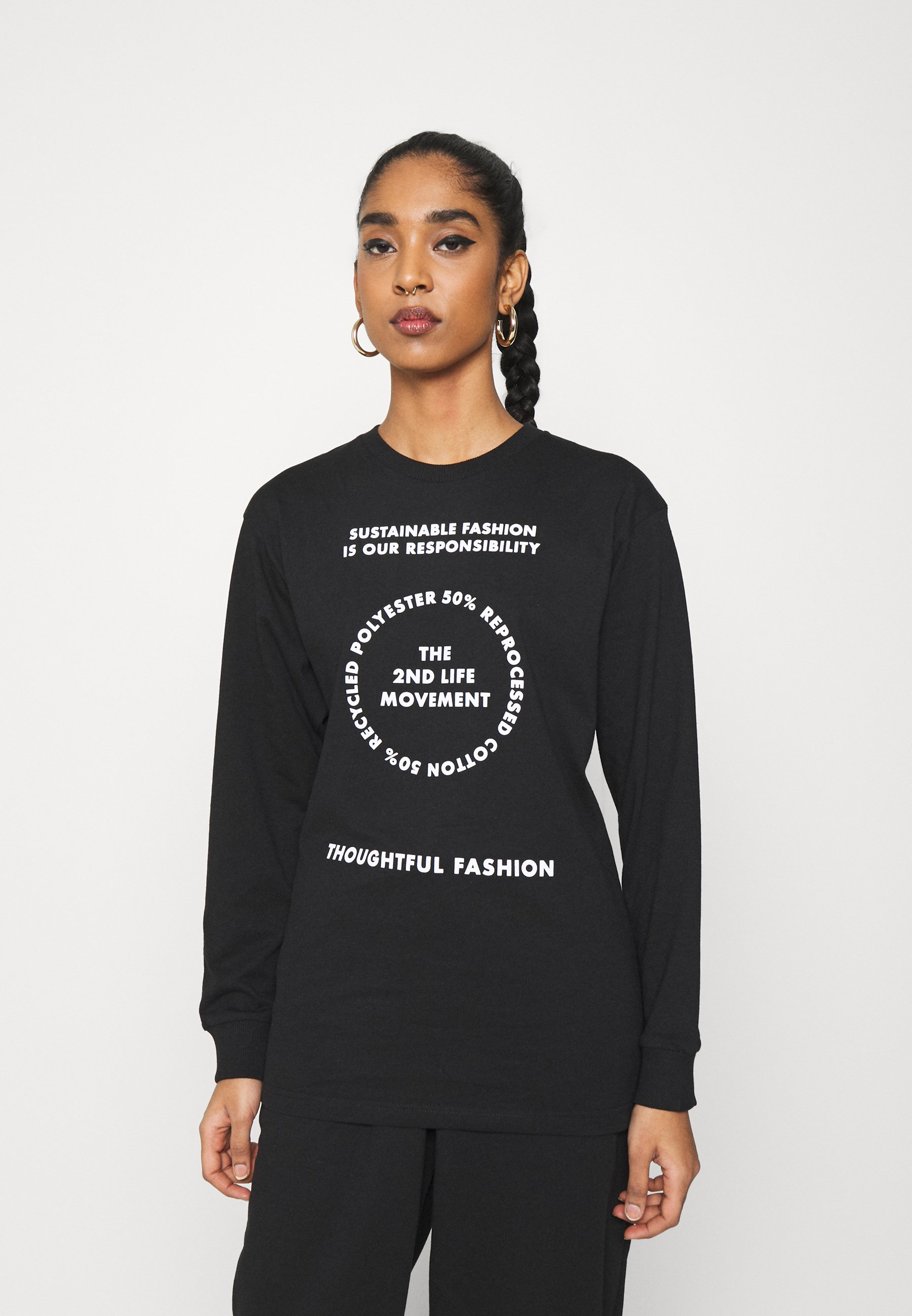 Women SKATER WITH GRAPHIC - Long sleeved top