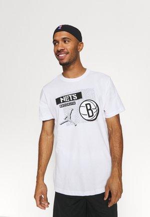 NBA BROOKLYN NETS STATEMENT JORDAN STATEMENT TEE - Club wear - white
