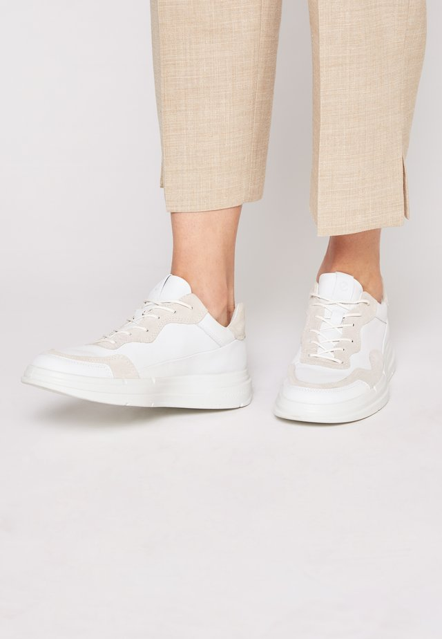 SOFT X - Sneakers laag - white/shadow white