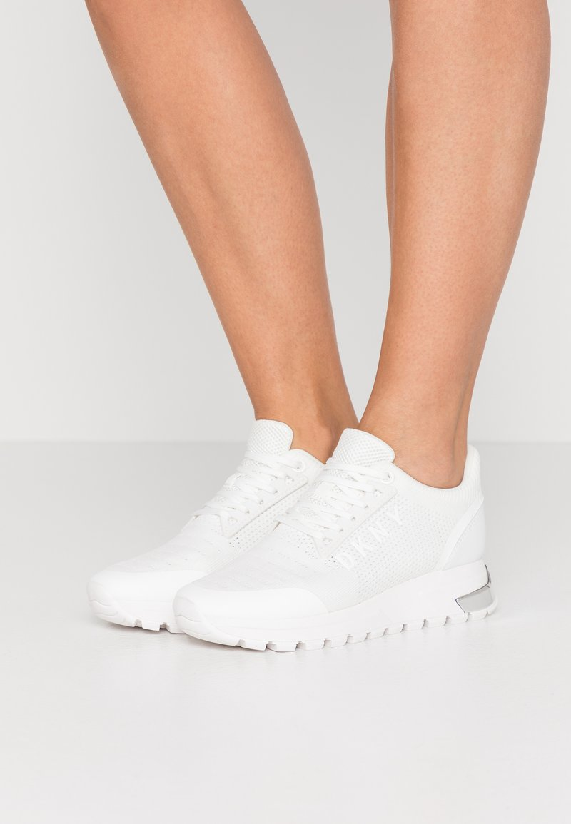 DKNY - MELZ LACE UP  - Trainers - white