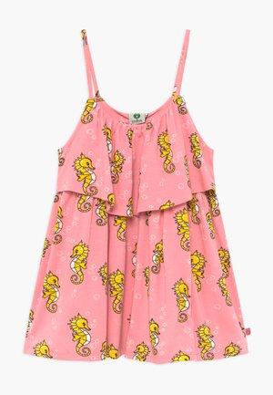 SEAHORSE - Žerzejové šaty - sea pink