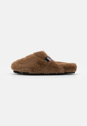 EXCLUSIVE SLIPPER - Slippers - camel