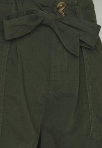 Miss Selfridge - PAPERBAG TENCEL SHORTS - Shorts - khaki - 2