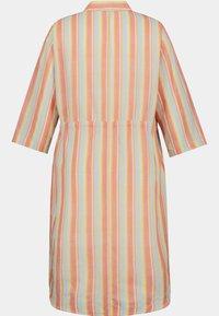 Ulla Popken - Shirt dress - mattes kupferorange - 2