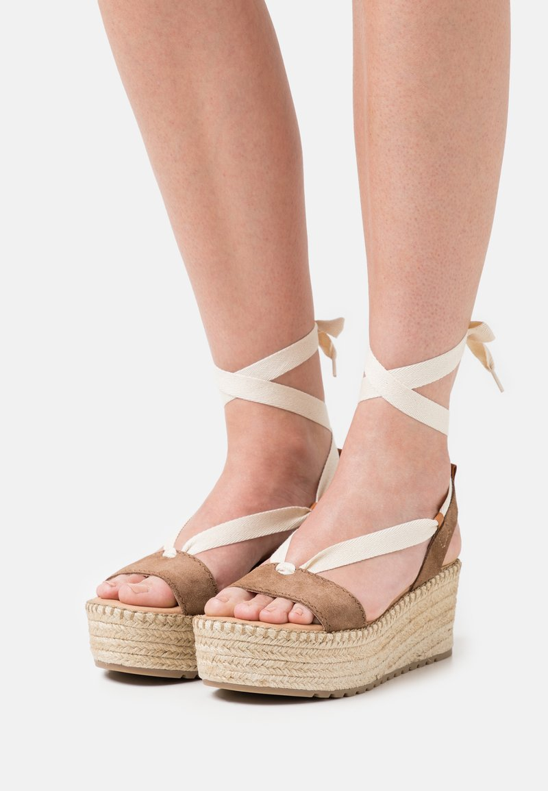 Musse & Cloud - CLOUD - Korkeakorkoiset sandaalit - taupe