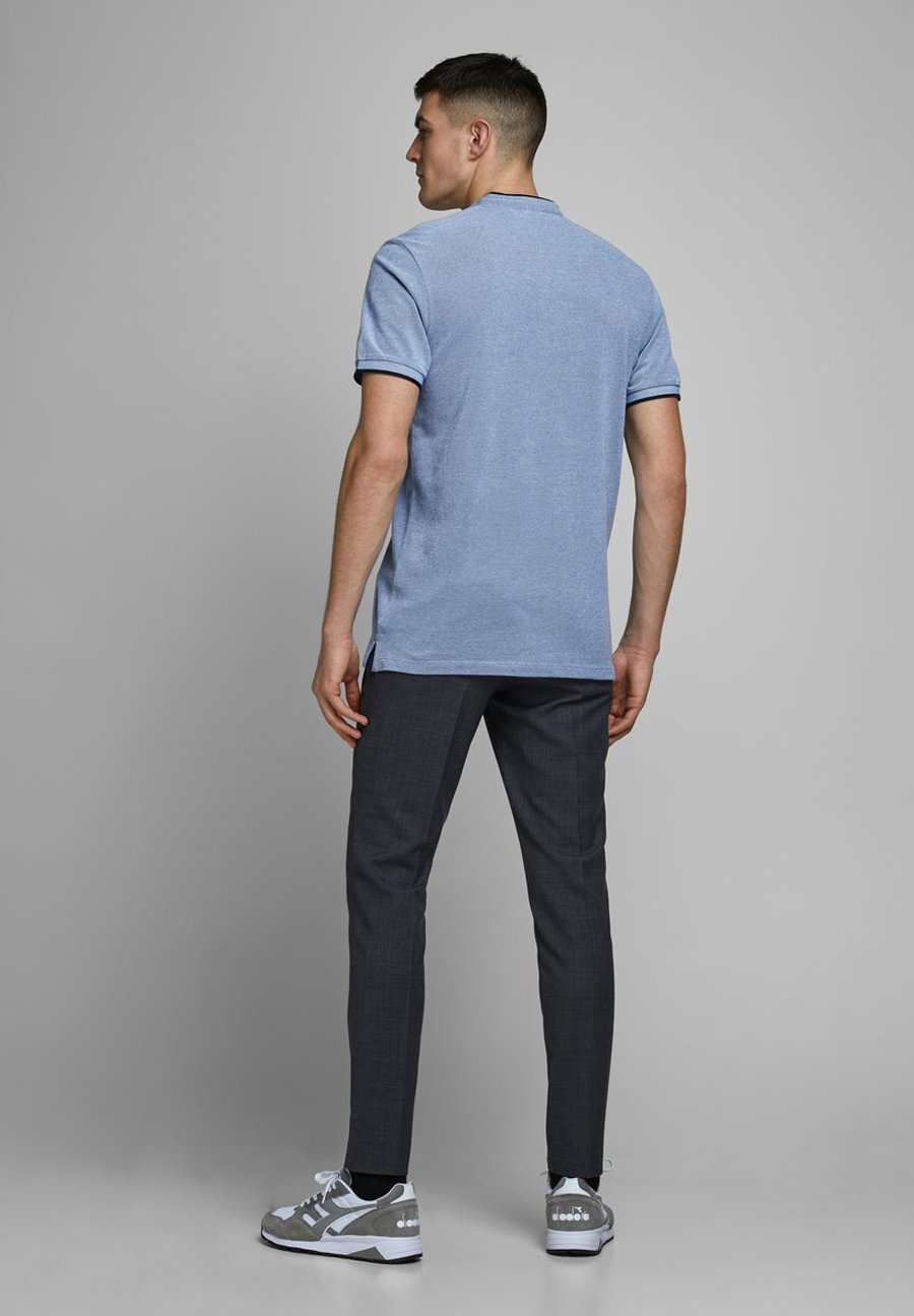 Jack & Jones PREMIUM JPRAXEL MAO - Basic T-shirt - bright cobalt JsCEJ
