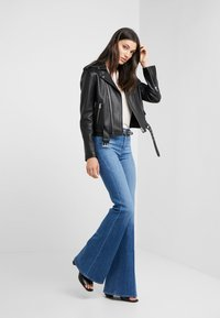 J Brand - VALENTINA HIGH RISE  - Flared Jeans - endeavor - 1