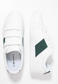 Lacoste - CARNABY STRAP - Sneakers - white/dark green - 1