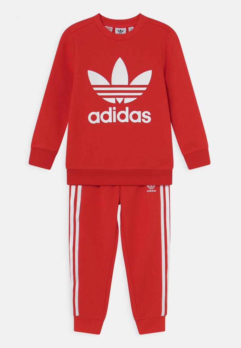 adidas Originals - CREW SET UNISEX - Survêtement - red/white