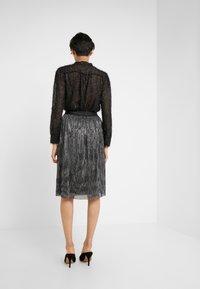 Bruuns Bazaar - METALLIC DARIANE CECILIE SKIRT - A-line skirt - dark silver - 2