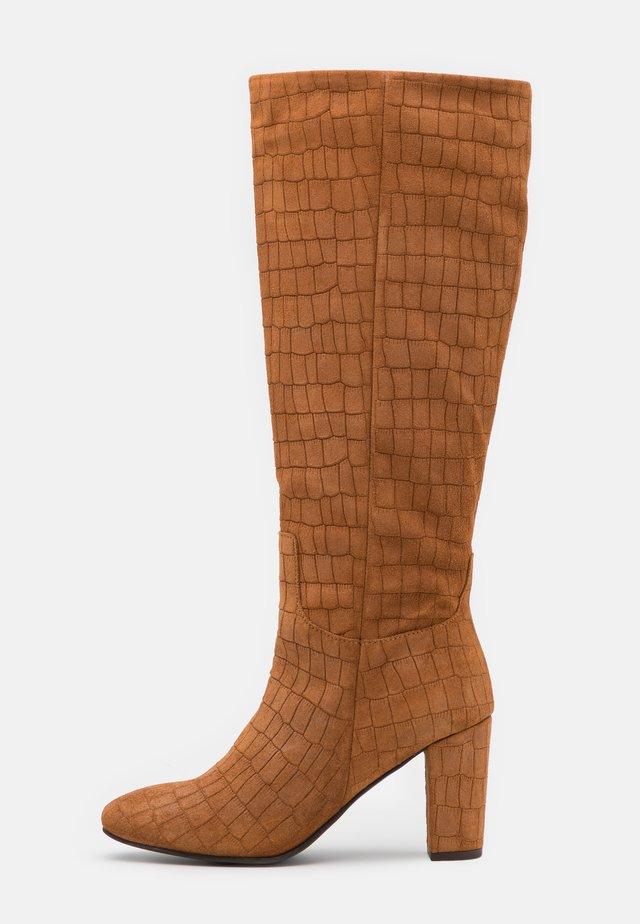 VMMELAN BOOT - Boots - cognac