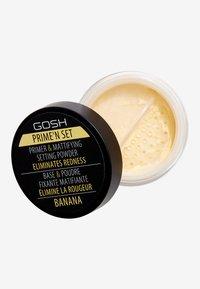 Gosh Copenhagen - PRIME'N SET POWDER PRIMER & MATTIFYING SETTING POWDER - Primer - 002 banana - 0